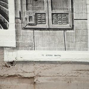 Foto mural Tachar as pintadas dunha rúa, 24 de 25