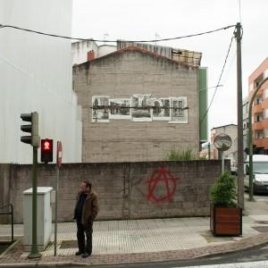Foto mural Tachar as pintadas dunha rúa, 25 de 25